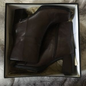 "Apostrophe ""Jerri"" Zip Ankle Booties Used in Box"